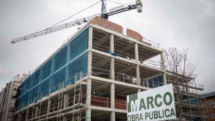Uno de los edificios que se encuentran en construcción.