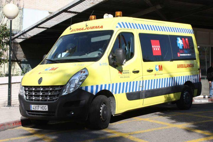 Las ambulancias para traslados no urgentes se identifican con una banda azul.