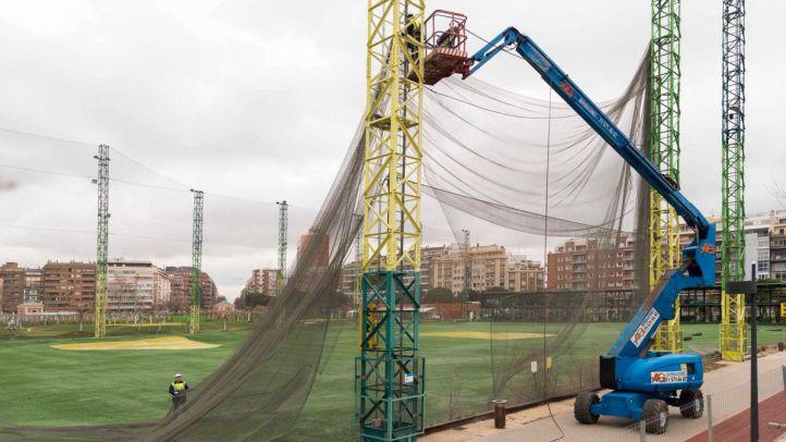 Desmantelamiento del campo de golf ilegal de Chamberí.