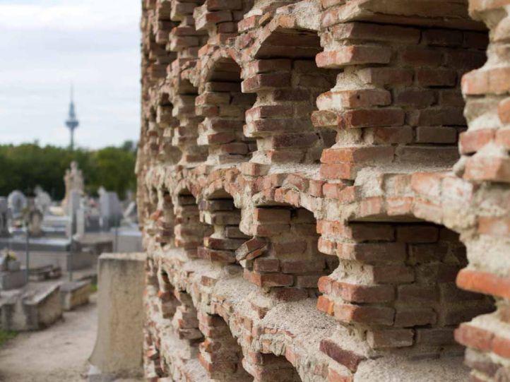 La exhumación masiva en el cementerio de La Almudena es