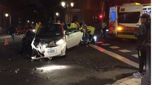 Un motorista, grave tras chocar con un coche de alquiler