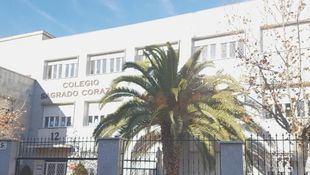 Colegio concertado Sagrado Corazón, situado en la plaza de la Madre María Ana Mogas.