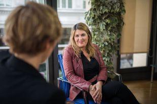Entrevista a Gema del Pozo, directora del departamento de Compromiso Social de Distrito Castellana Norte en la Terraza de Gran Vía.