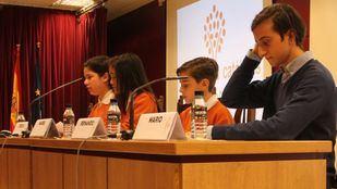 Cuatro alumnos del Colegio Divina Pastora han participado en la inauguración.
