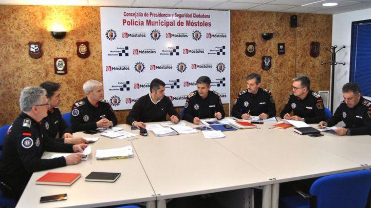 Sobresaliente de los vecinos a la Policía de Móstoles