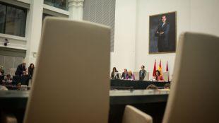 El Gobierno defiende las exhumaciones de La Almudena