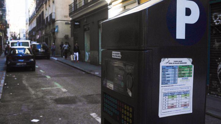 La oposición pide frenar el recargo del pago del SER con el móvil