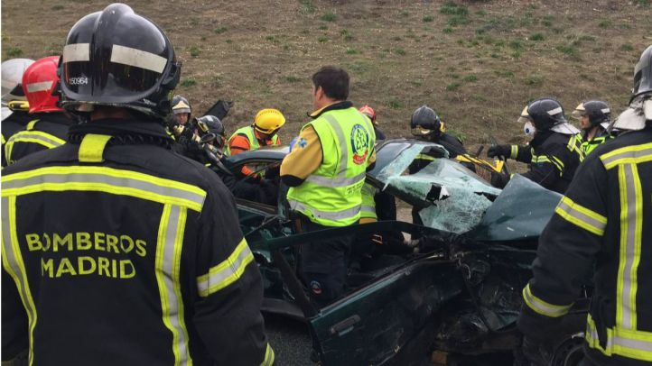 Tres heridos en un aparatoso accidente en Villaverde