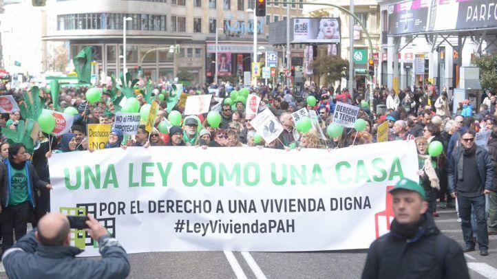 Manifestación de la PAH bajo el lema 'Una Ley Como una Casa'
