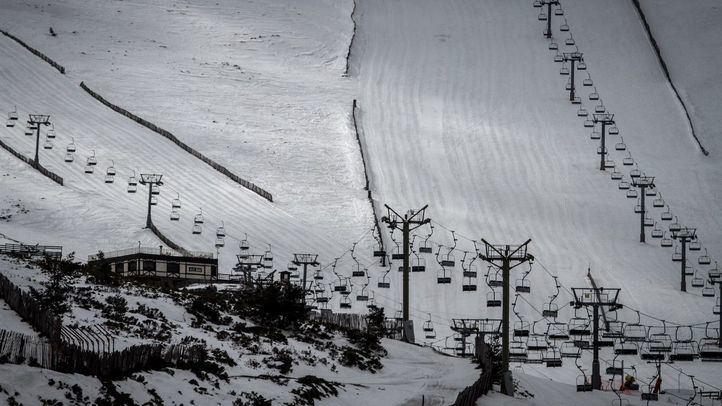 Abiertas las estaciones de esquí de Navacerrada, La Pinilla y Valdesquí