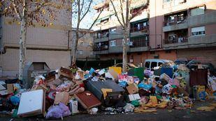 Huelga de recogida de basuras y limpieza viaria de Parla en 2015.