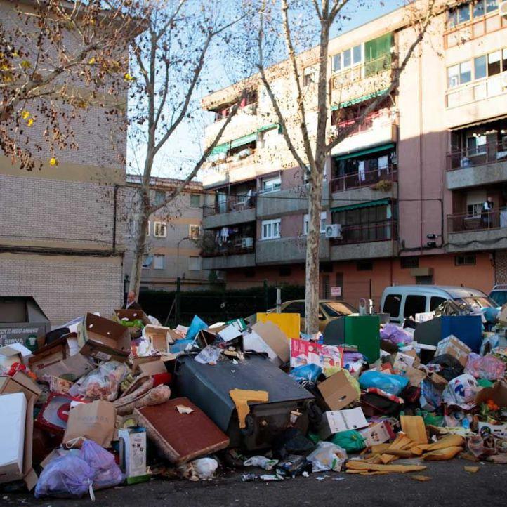 Suspendida la adjudicación de recogida y limpieza de basura en Parla