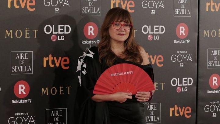 Isabel Coixet, en la última edición de los Goya con un abanico que reivindica que haya más mujeres en la industria del cine.