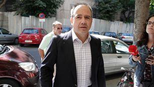 Arturo González Panero, hoy imputado en Gürtel, era alcalde de Boadilla cuando se aprobó la subida.