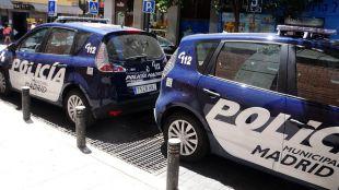 nuevos coches de la policia municipal en la plaza del Carmen