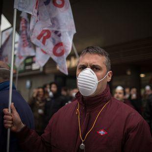 Comienzan los paros de Metro en protesta por la gestión de la crisis del amianto