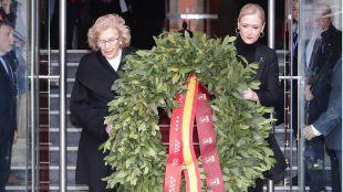 Una corona de laurel en la Real Casa de Correos