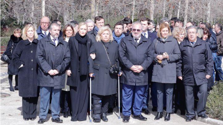 Margaritas y 191 globos en recuerdo de las víctimas