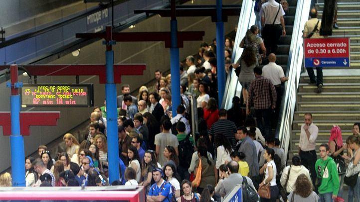 Aglomeración de viajeros en el Metro de Madrid, en una imagen de archivo.
