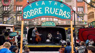 Teatro sobre ruedas: las artes escénicas salen de viaje