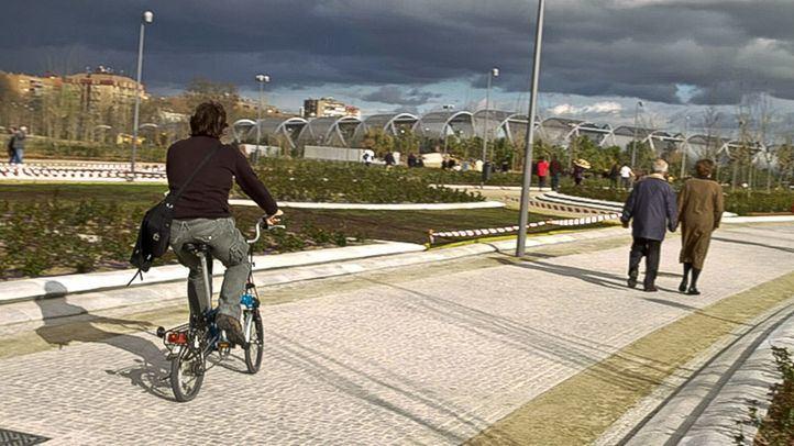 Detenidos tres menores por robar armados en Madrid Río