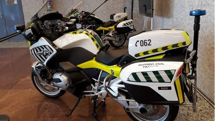 Nuevas motos de la Guardia Civil con radar incorporado y medios portátiles.