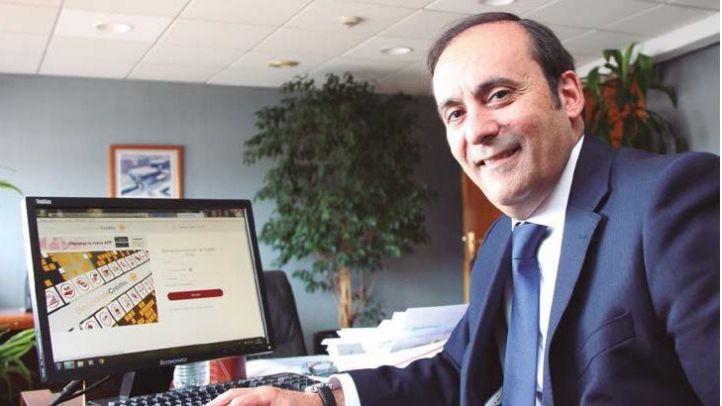 Pastor ensalza las virtudes del sector farmacéutico español