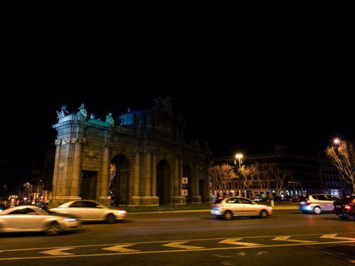Suspendido el apagón de la Puerta de Alcalá