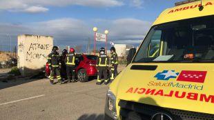 Tres jóvenes heridos al chocar contra una caseta en Móstoles