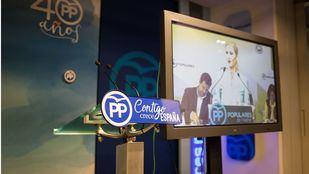 Una recogida de firmas pide a Cifuentes que encuentre su TFM