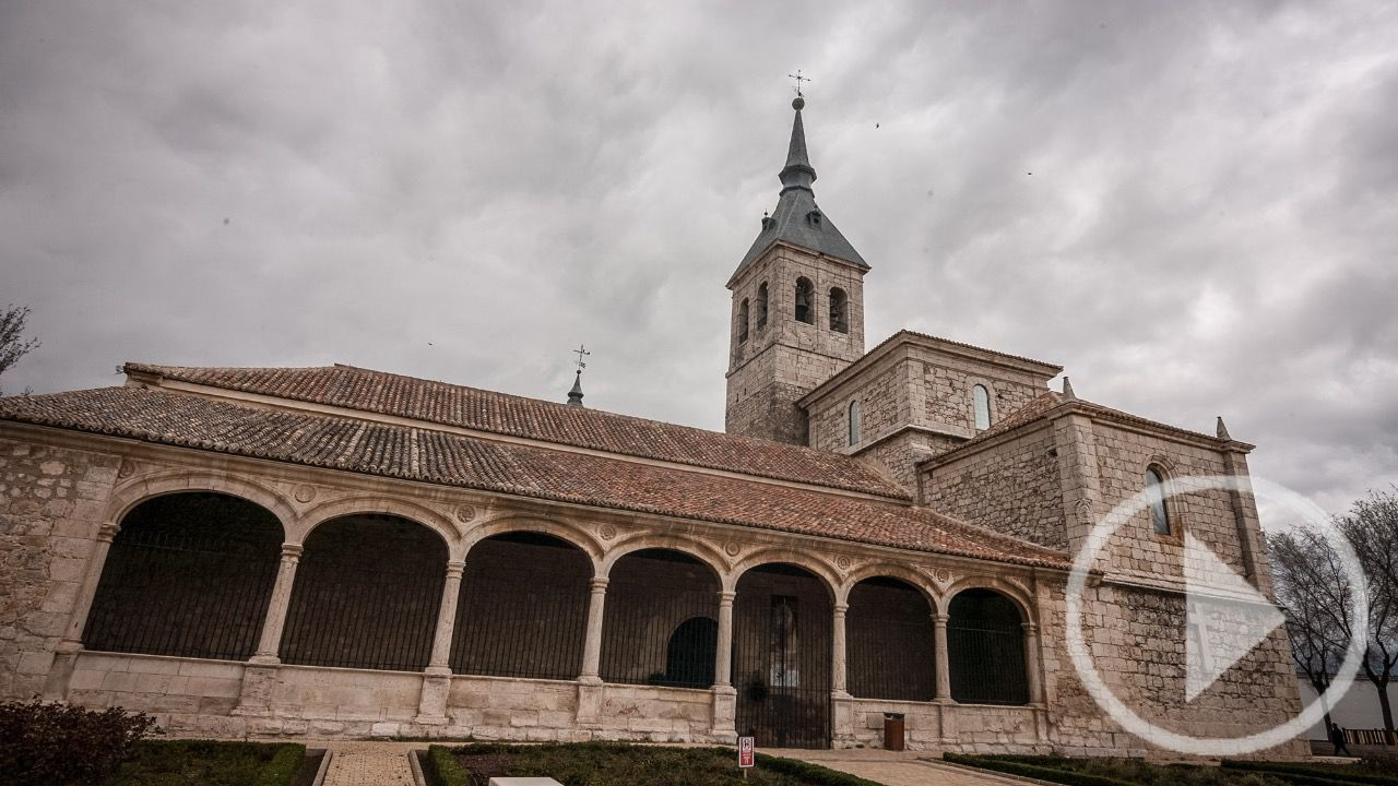 Torres de la alameda expone una copia de la s bana santa - Piscina torres de la alameda ...