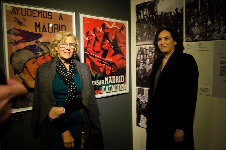 Colau y Carmena homenajean al Madrid que resistió al franquismo