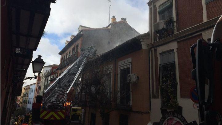 Rescatadas siete personas por un fuego en Olivar