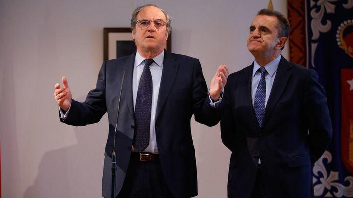 Gabilondo anuncia la moción con el respaldo de Franco.