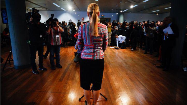 Cifuentes, en su esperada comparecencia ante la prensa.