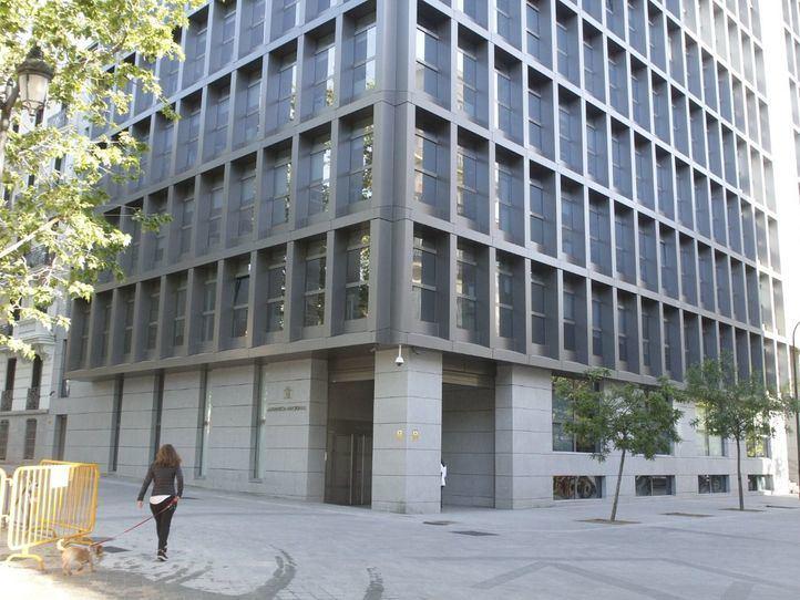 Sede de la Audiencia Nacional, en la plaza de la Villa de París.