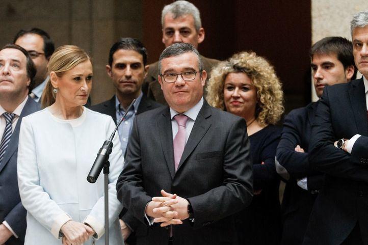 Guillermo Hita, presidente de la FMM, comparece junto a varios alcaldes y la presidenta en una imagen de archivo.