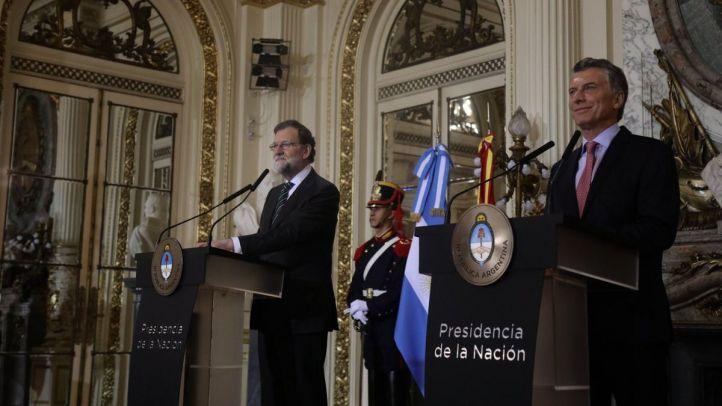 Mariano Rajoy junto a Mauricio Macri en Buenos Aires.