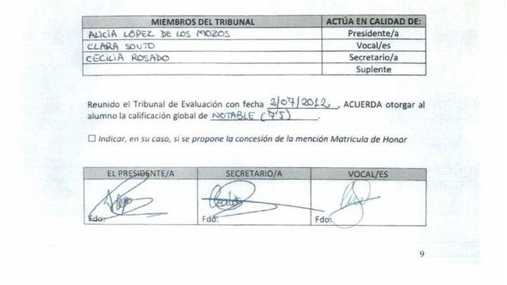 Acta con firmas supuestamente falsificadas que distribuyó el equipo de Cifuentes.