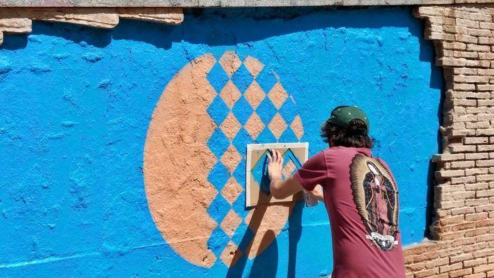 El arte urbano de un centenar de artistas invade Malasaña