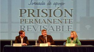 Conferencia en Torrejón del padre de Mari Luz Cortés, Juan José Cortés.