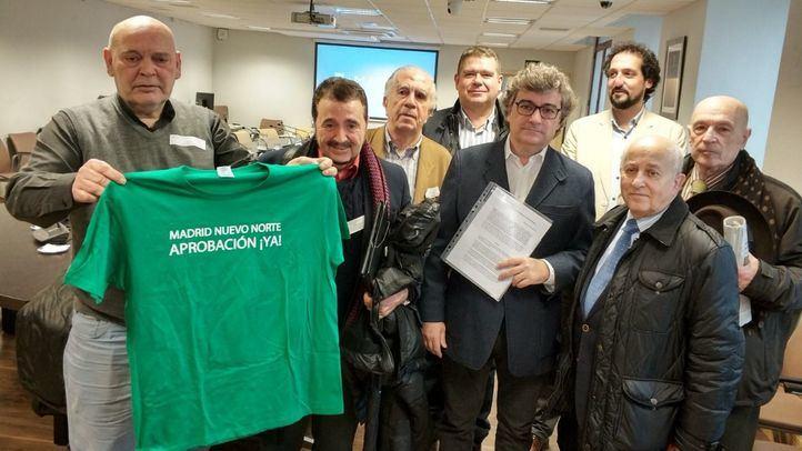 Representantes de los vecinos del norte de Madrid piden el fin del desbloqueo de Madrid Nuevo Norte.