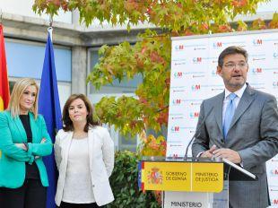Catalá pone la pelota en el tejado de Cifuentes y el PP de Madrid habla de