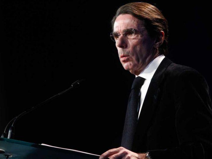 ETA coloca un coche bomba destinado a José María Aznar