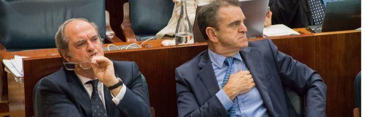 Ángel Gabilondo y José Manuel Franco, este jueves en la Asamblea.