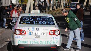 El Gobierno se adelanta al Supremo y rescata al taxi