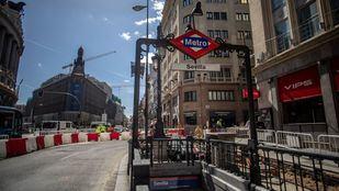 El lunes 23 de abril de 2018 cierra por obras la estación de metro de Sevilla por obras para reformar integralmente la estación y mejorar la accesibilidad.
