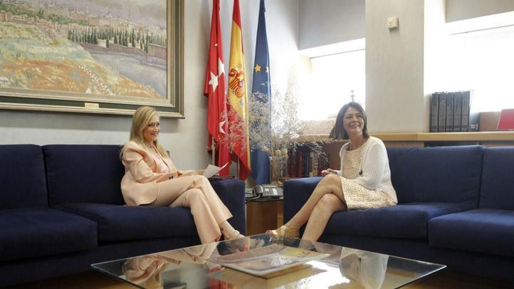 Reunión entre Cristina Cifuentes y Paloma Adrados.