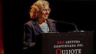 La alcaldesa de Madrid, Manuela Carmena, durante a lectura continuada del Quijote 2018.