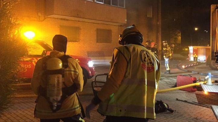 Un incendio en San Blas deja un herido grave